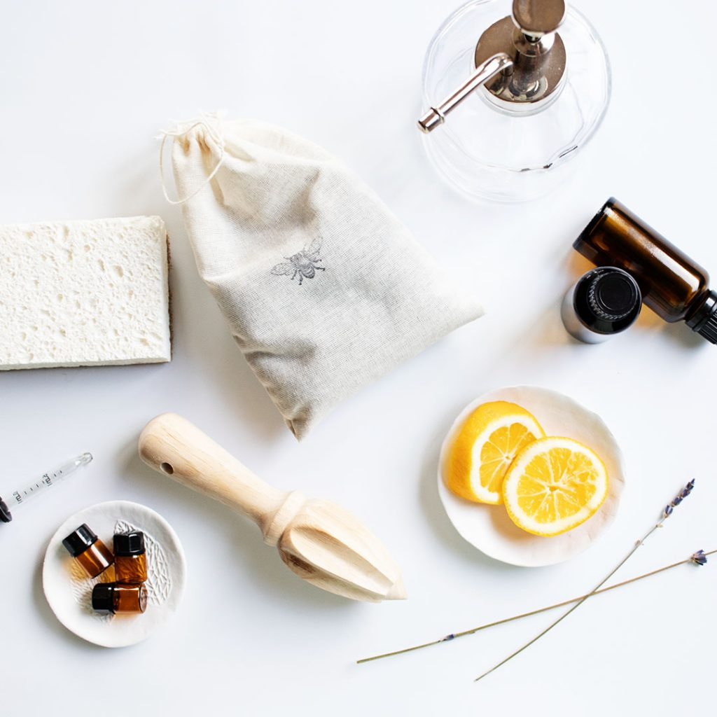 Are ready to take the plunge and naturally spring clean without chemicals?  Grab a free 5 piece Mrs. Meyer's natural cleaning kit from the Grove Collaborative to jump start your spring cleaning this year and a spring cleaning checklist too!