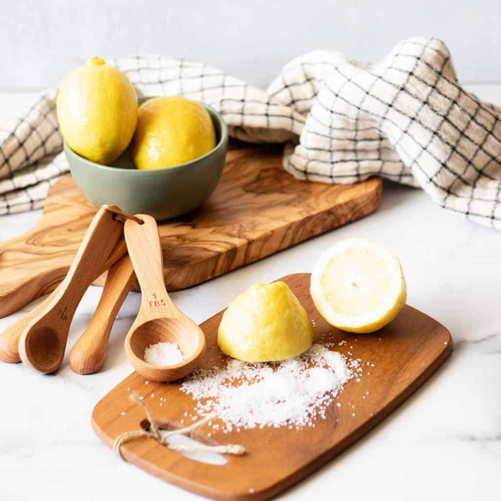 5 Easy Techniques on How to Clean a Cutting Board, Disinfect, Deodorize, and Everything In Between