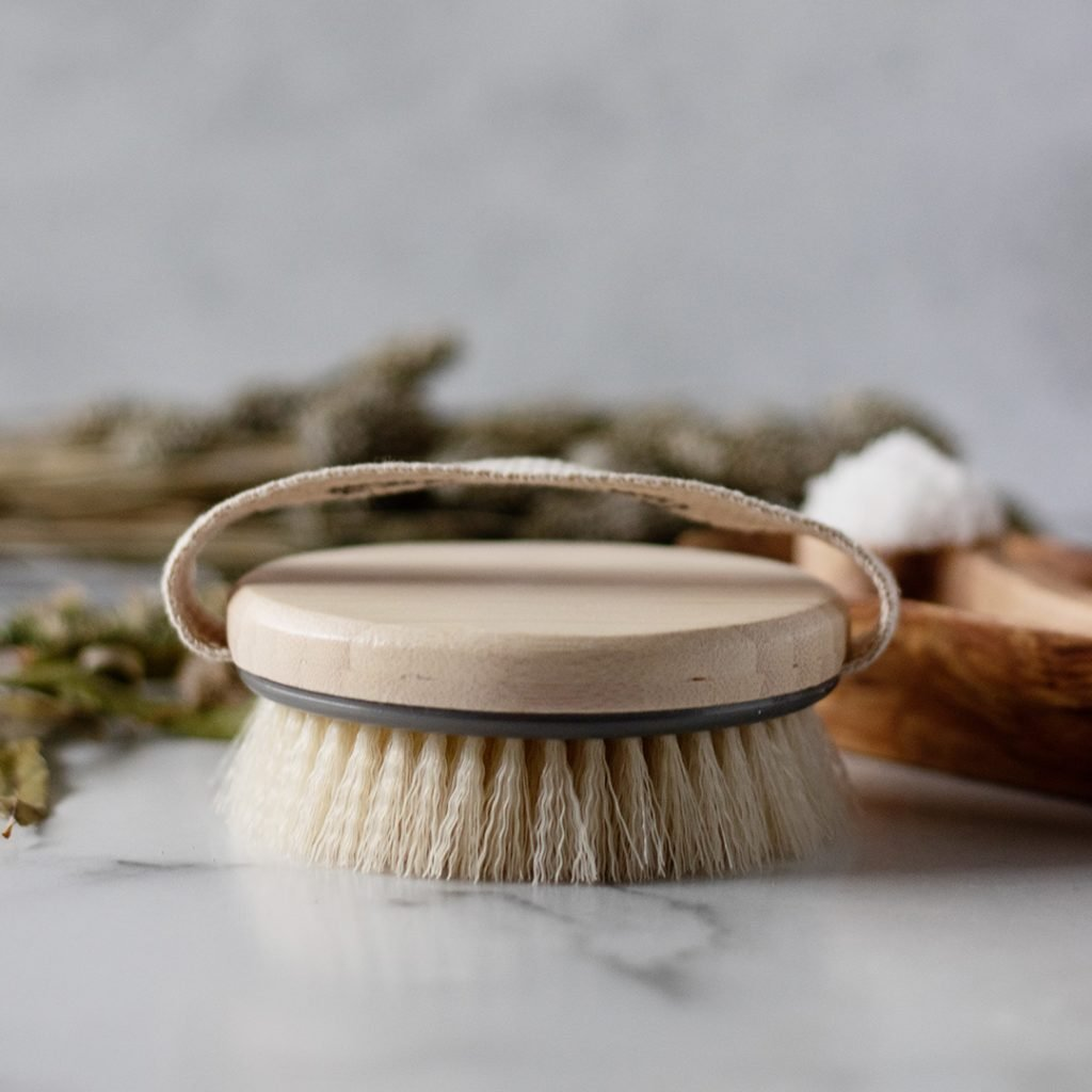 How To Dry Brush: 4 simple dry brushing techniques to start reaping dry brushing benefits for your body.