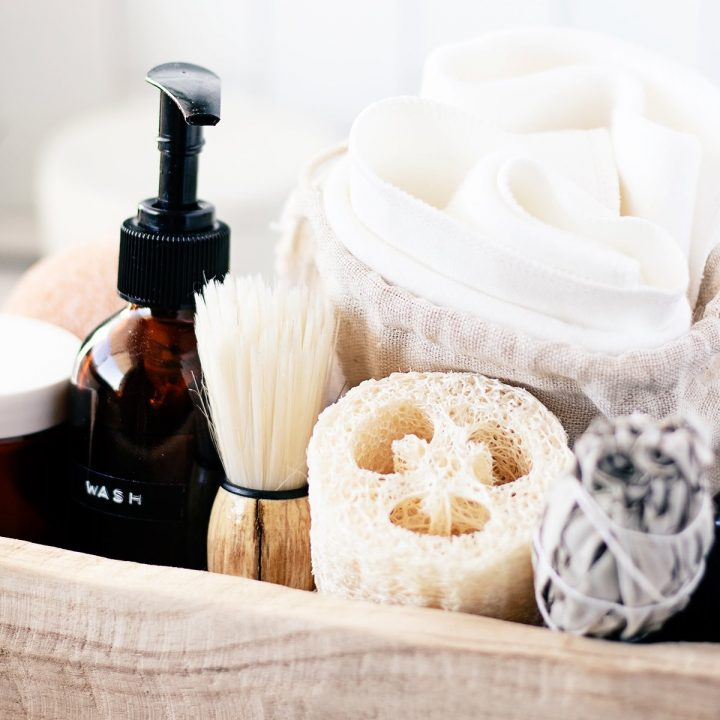 Looking for a natural DIY body wash? Rather you are on the path to zero waste living or clean beauty this zero waste body wash is a great place to start!