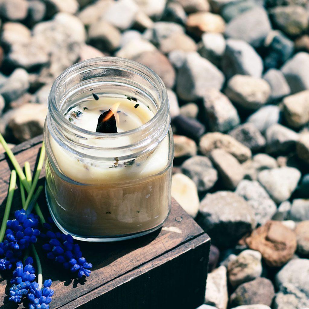 DIY outdoor candles to keep bugs away