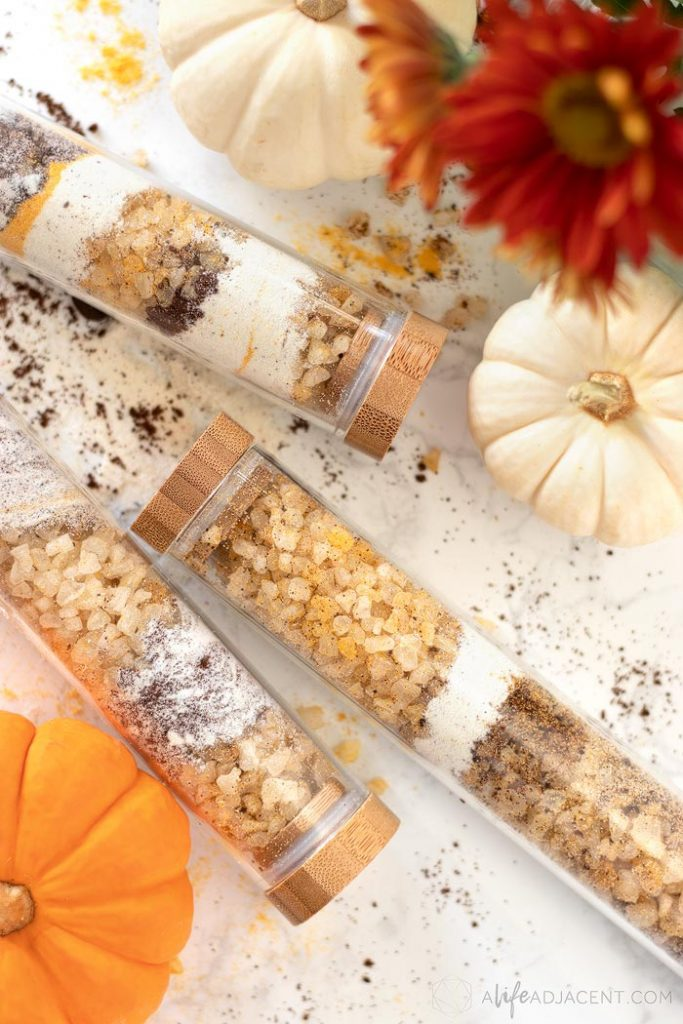 Indulge this fall with a moisturizing pumpkin spice latte bath soak. It nourishes the skin with milk, natural bath salts, pumpkin, and a dash of coffee grounds.